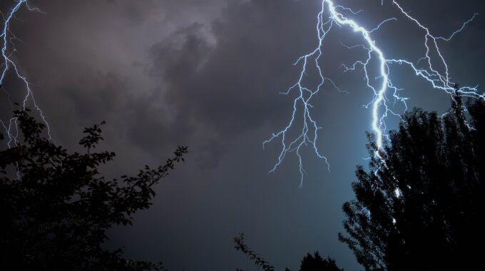 onweer_bliksem Enschede