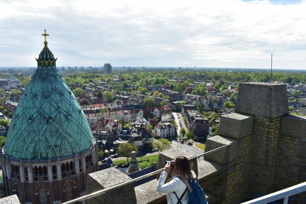 Foto uitzicht haarlem klim naar het licht kathedrale basiliek nieuwe sint bavo