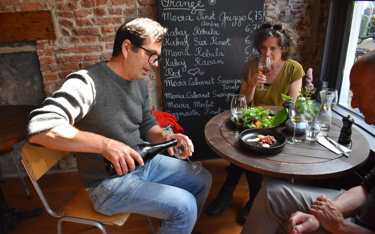 Zuid Noord Natuurwijnbar & Bistro in Haarlem