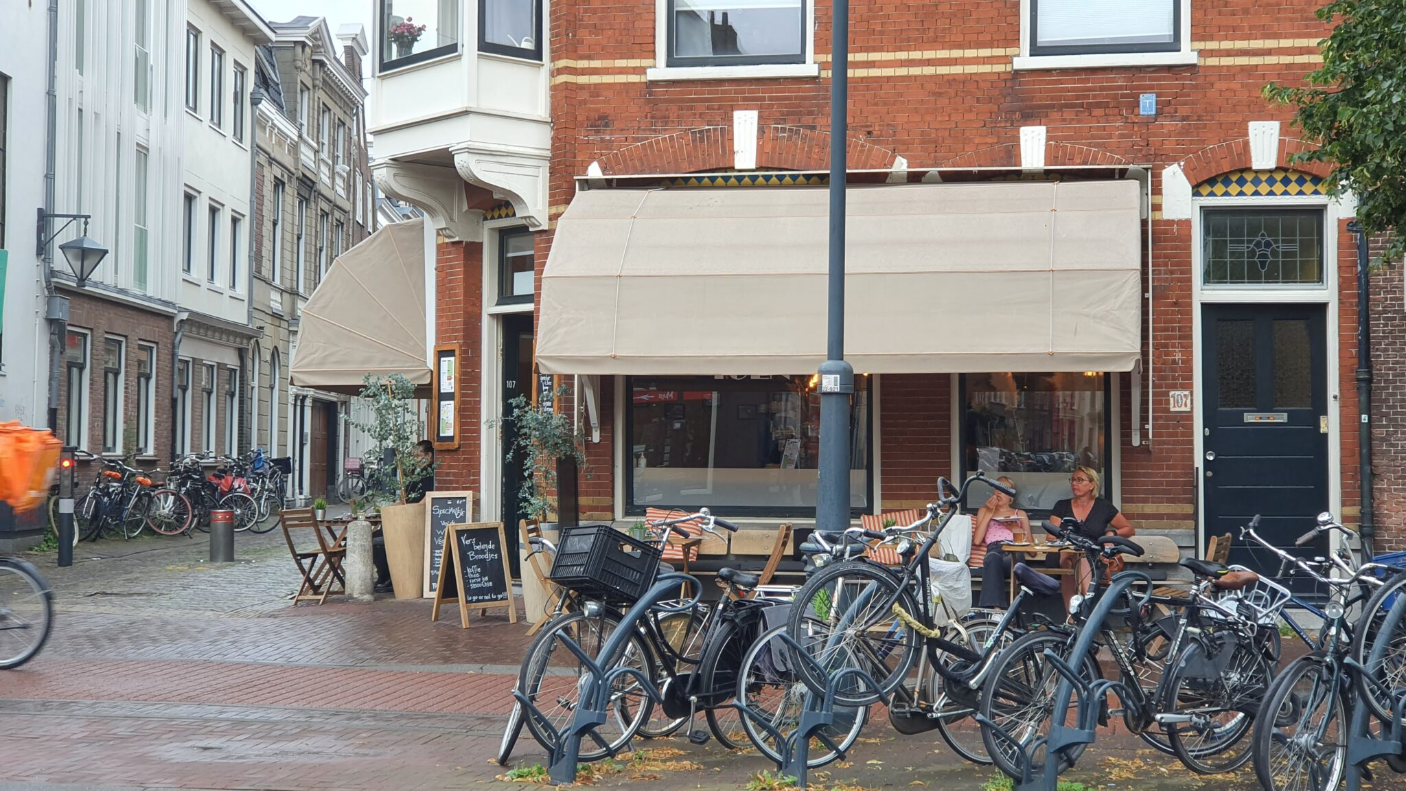 Overdekt terras overdekte terrassen Haarlem Broodje van Toen