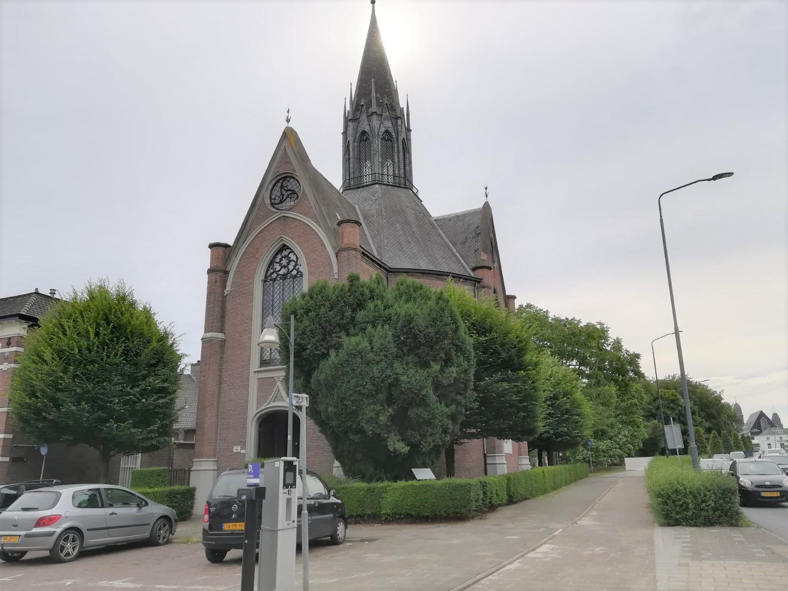 protestantse-kerk-kasteel-traverse-de-wiel