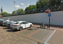 Elektrische auto parkeren Helmond
