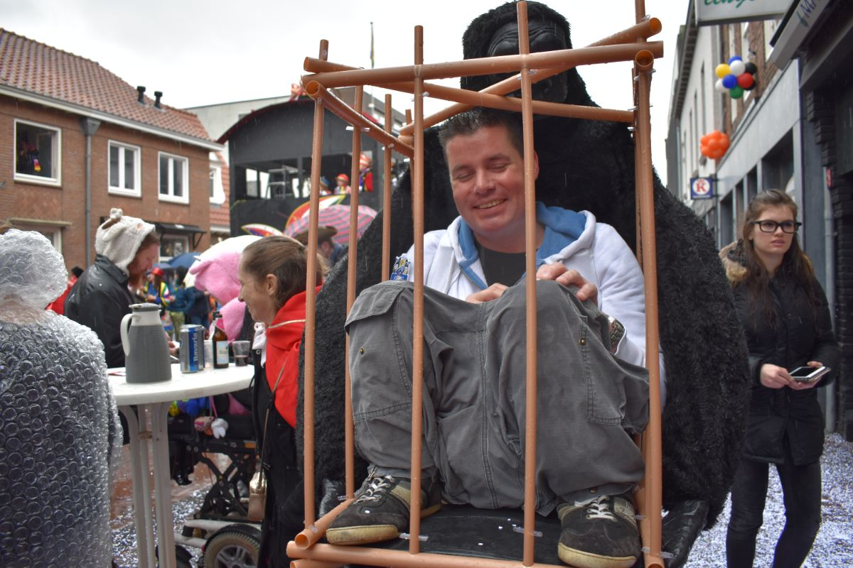Gespot carnavalsoptocht Helmond 2019 001