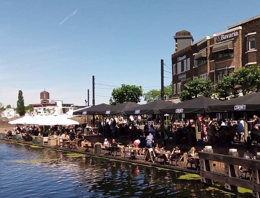 Eerste terrasdag Helmond