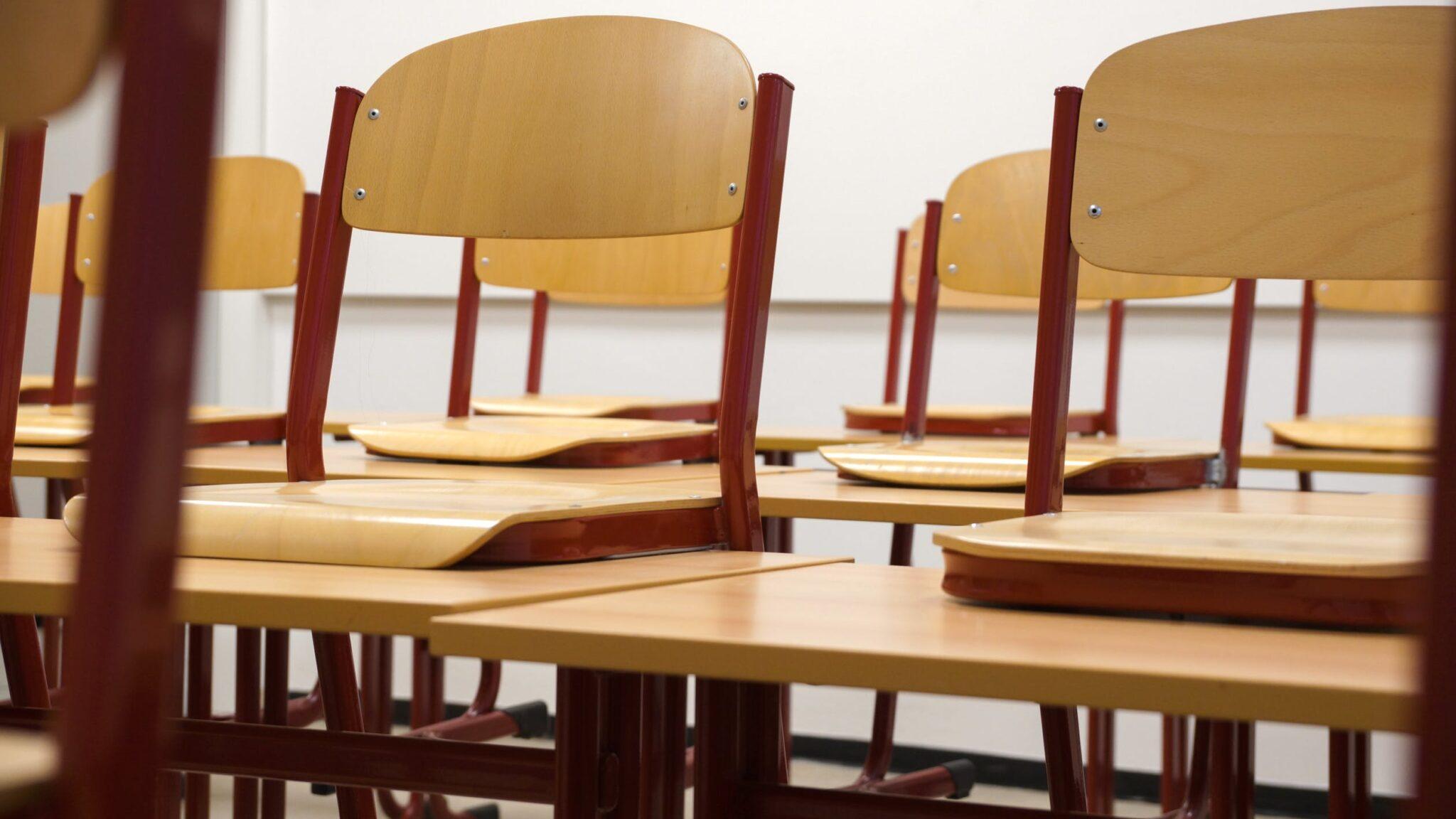 leerkracht-basisschool-schoolklas