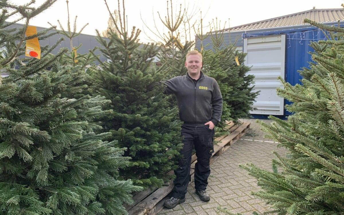 Dierenspeciaalzaak Koko november 2020 - Roelof Korpershoek bij kerstbomen