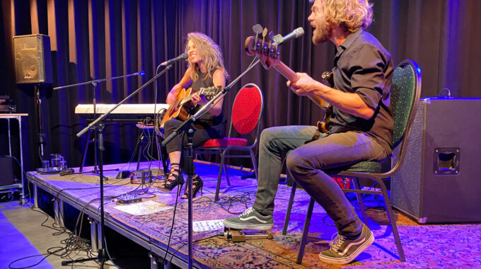 Concert Krystl bij Rho Toneel Numansdorp - Hoeksche Waard - indebuurt Hoeksche Waard