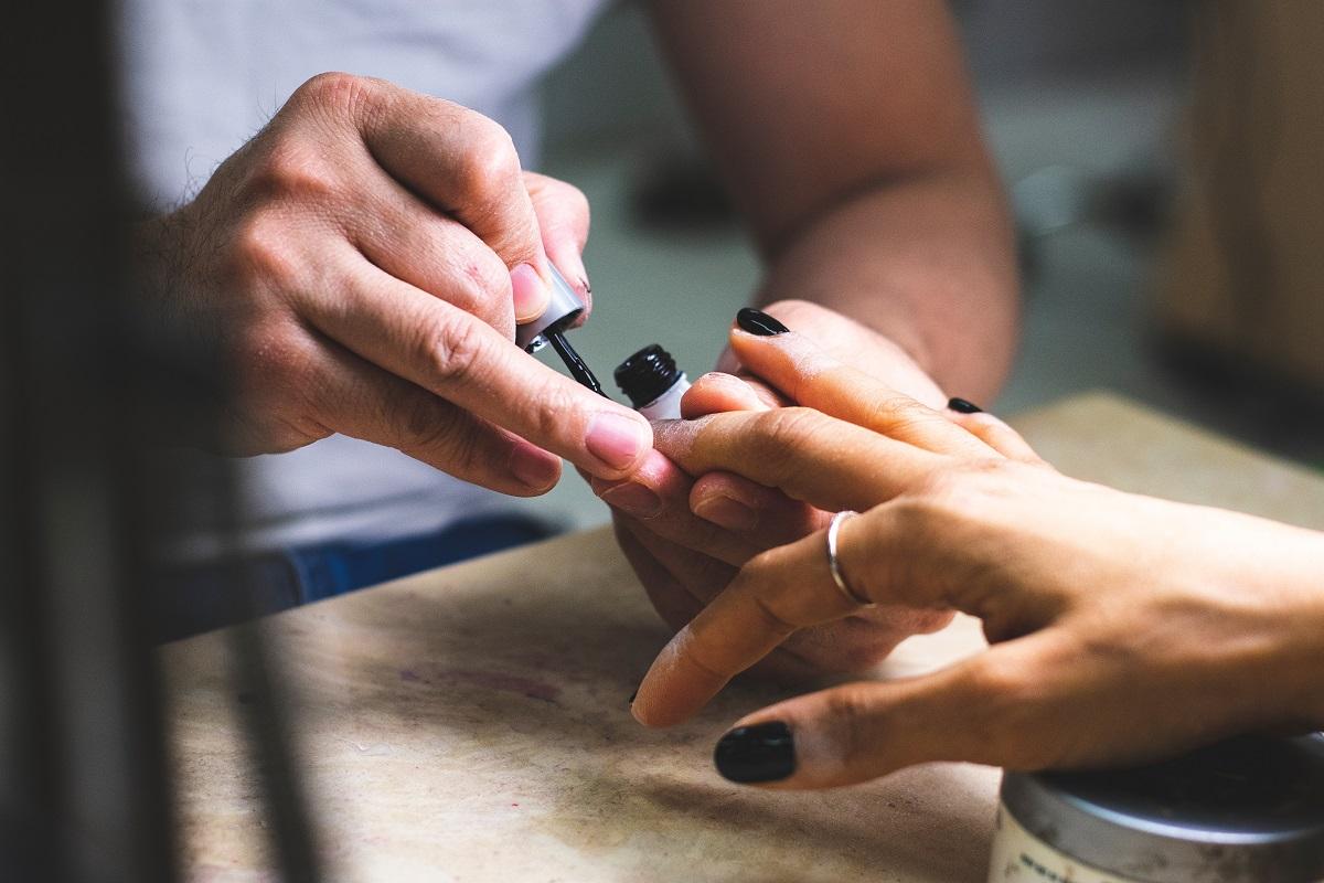 nagelstudio nagels lakken