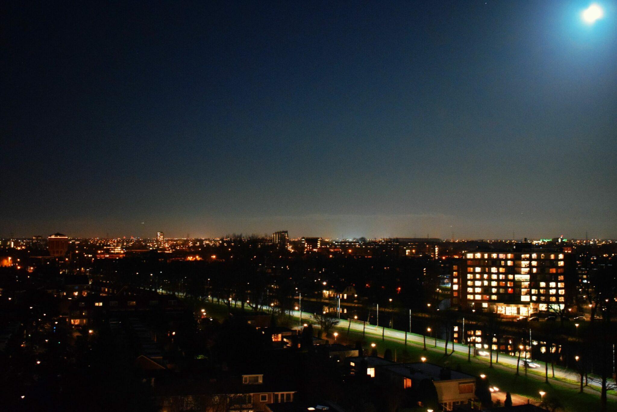 maan avond leiden