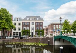 Nieuwsteeg 47, Leiden, Proper Makelaardij