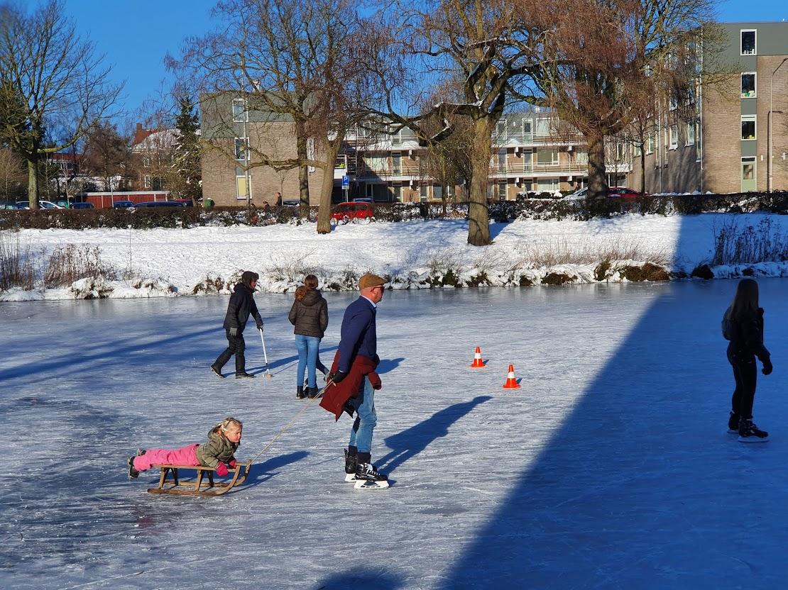 Ijspret: Nijmegenaren schaatsen op natuurijs in de regio - indebuurt