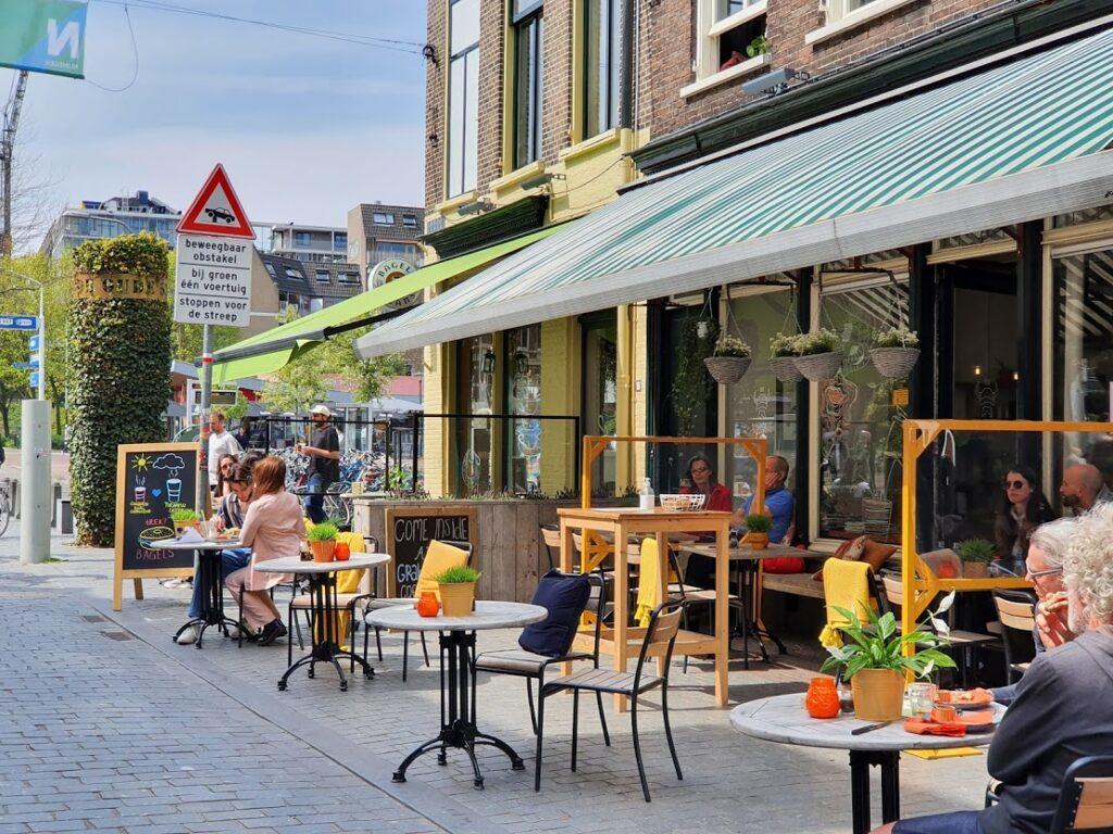 Lunchen Lange Hezelstraat