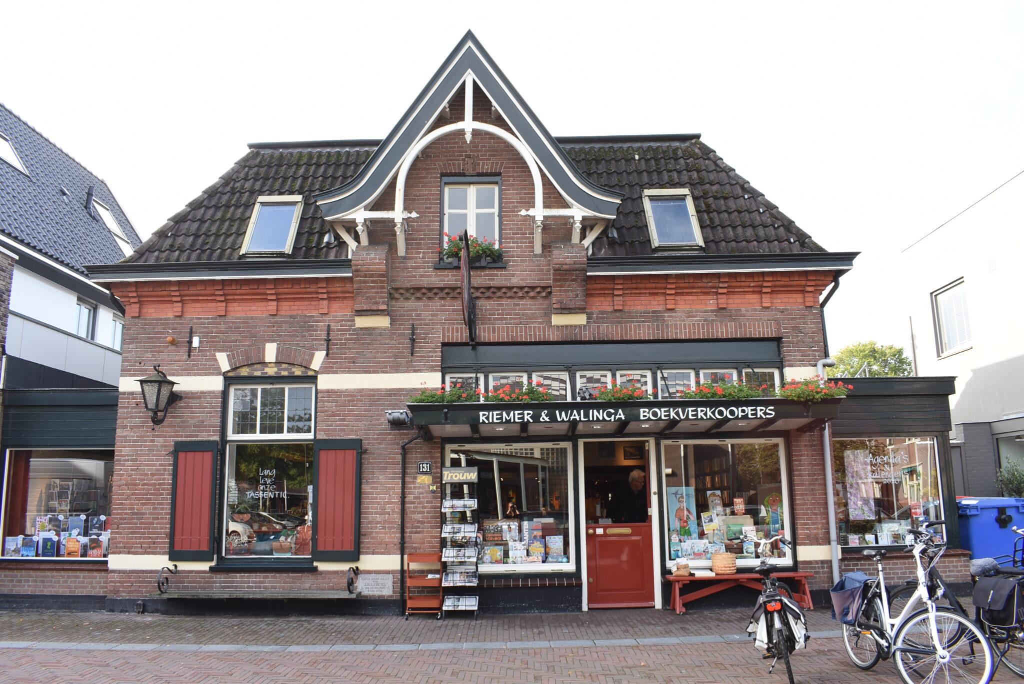 Riemer & Waling Boekenwinkels in Harderwijk Ermelo en Putten