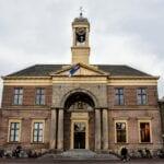 Het Oude Stadhuis in Harderwijk. Foto indebuurt Randmeren