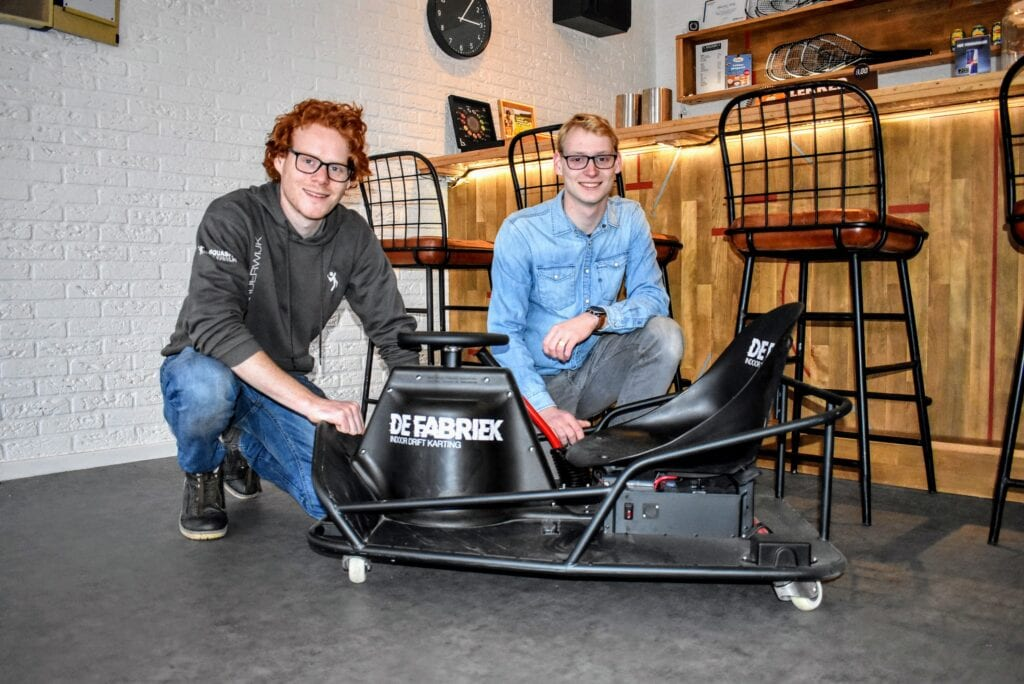 Maurits en Julian starten kartbaan De Fabriek in Harderwijk