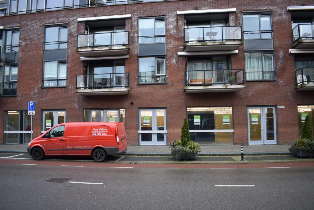 Het oude-Actionpand aan de Luttekepoortstraat in Harderwijk wordt LampenShopOnline