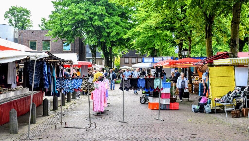 Markt in weekmarkt Putten