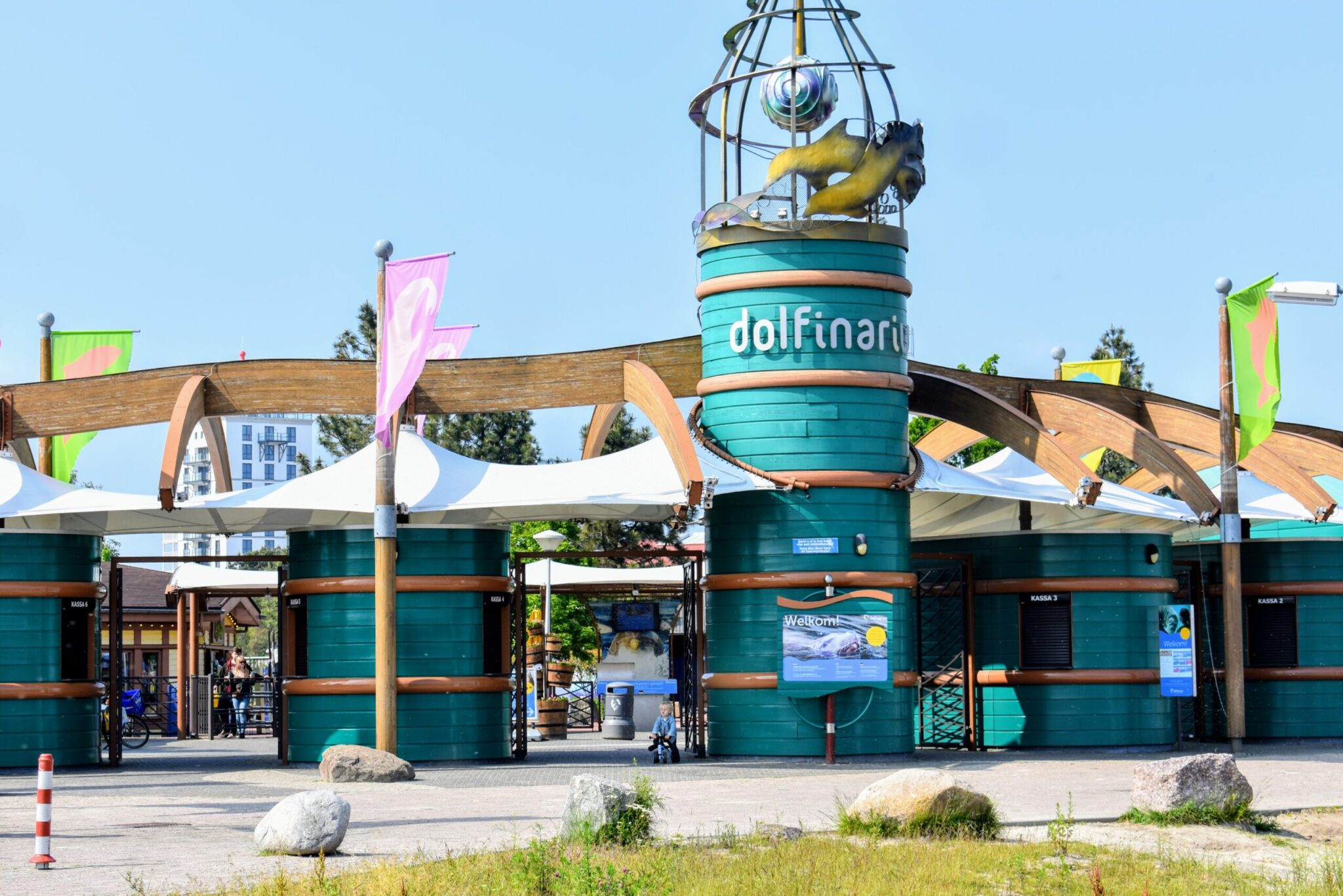 Dolfinarium in Harderwijk dicht gesloten moderne dierentuin dierenpark veluwe dolfijnen