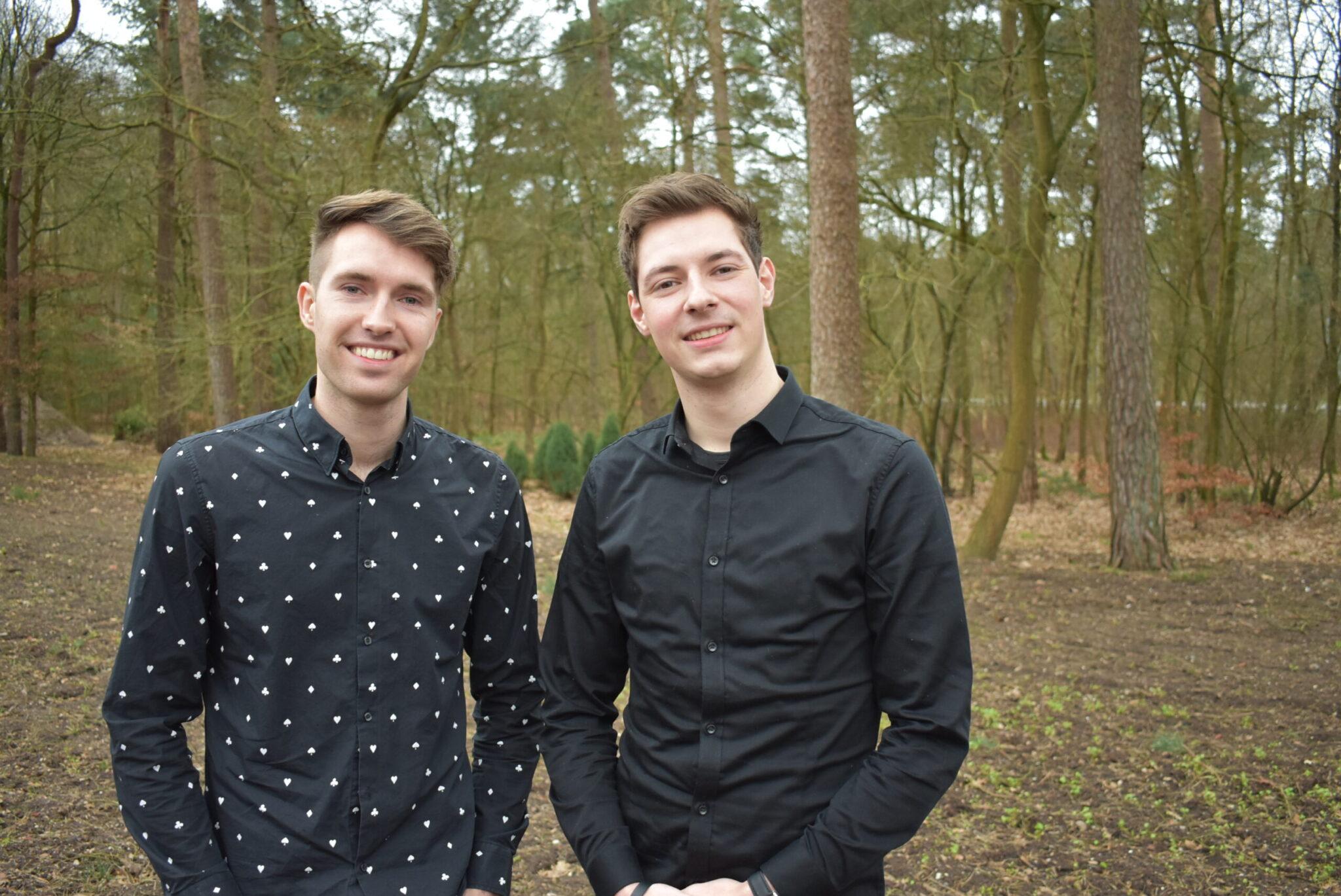 Bart (links) en John van Traveldudes Entertainment