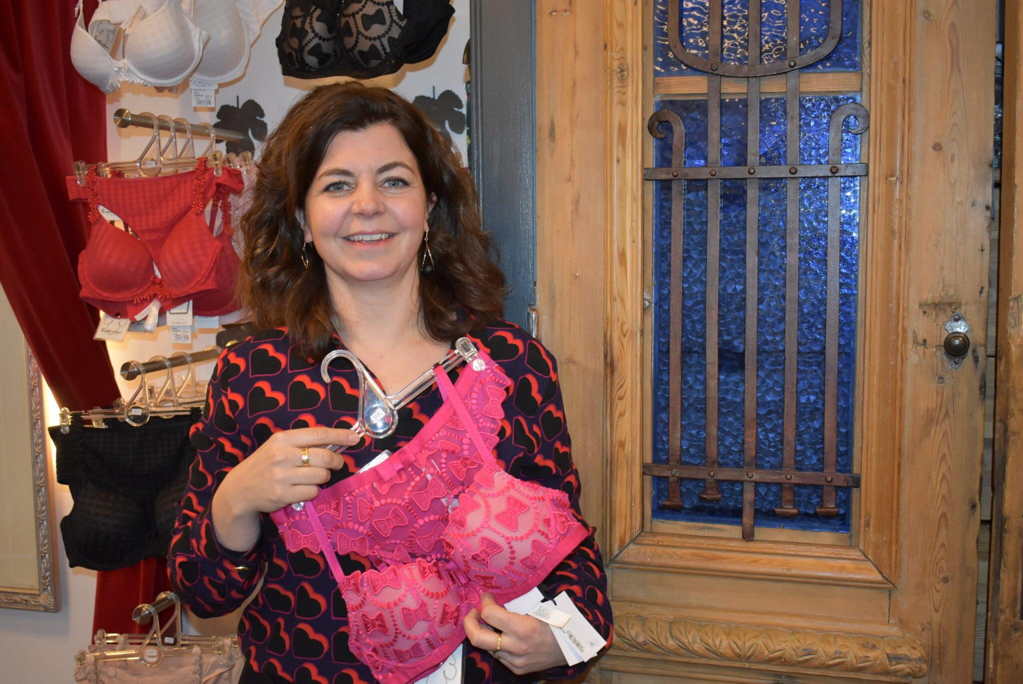 Gisèl in haar lingeriewinkel September in Harderwijk