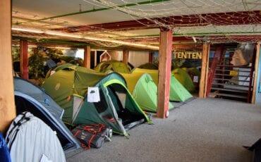 Tenten bij Kampeerwereld Hendriks in Ermelo.