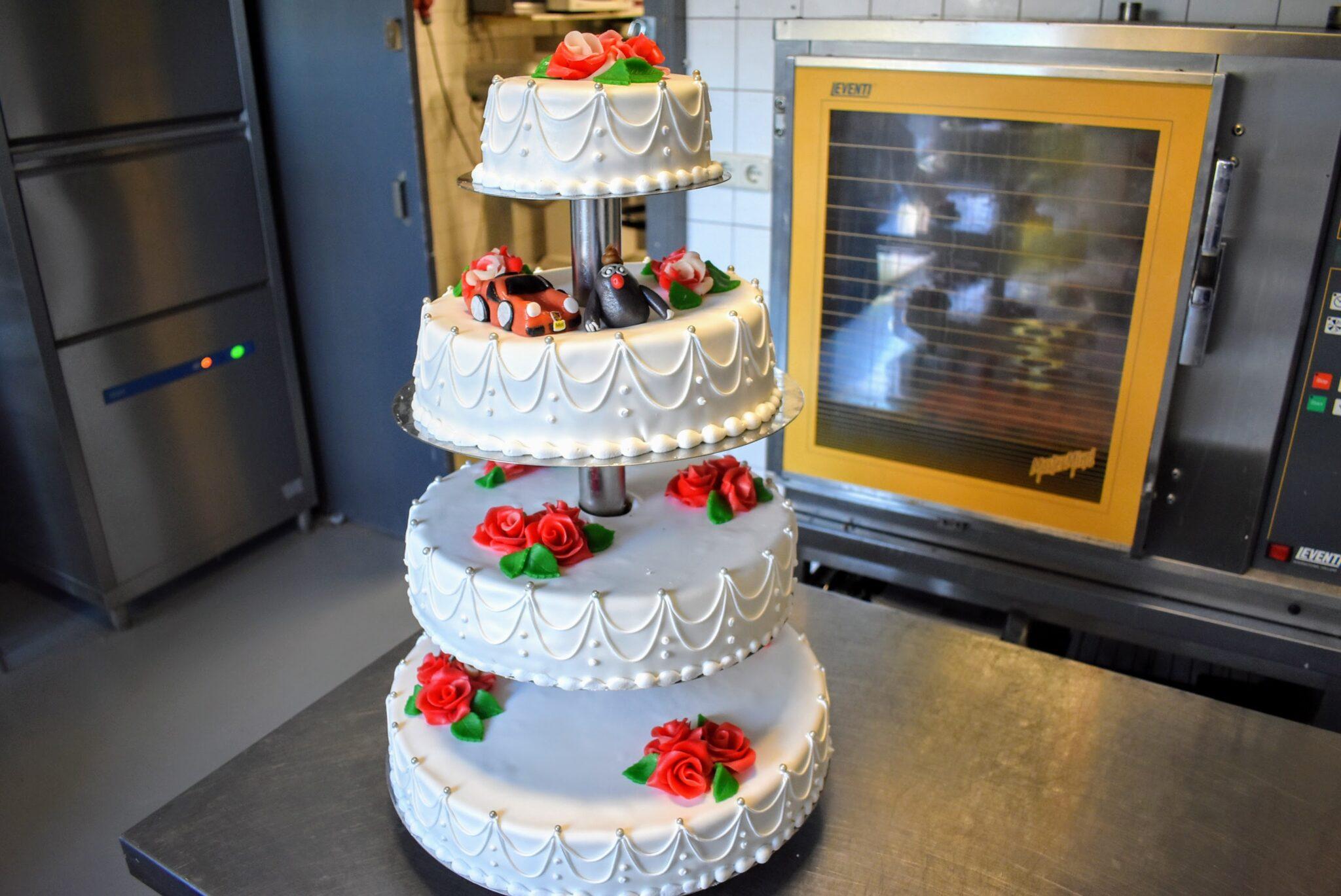 hop taartenshop alex harderwijk taarten deen gebak
