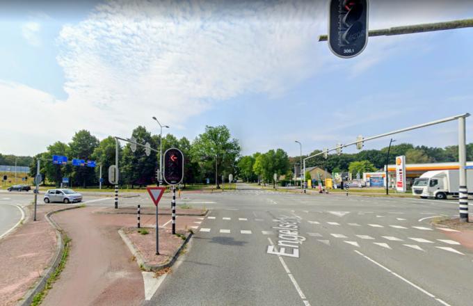engelserf oranjelaan harderwijk wachten voor stoplicht groen waarom harderwijk ermelo putten mysterie verkeerslichten