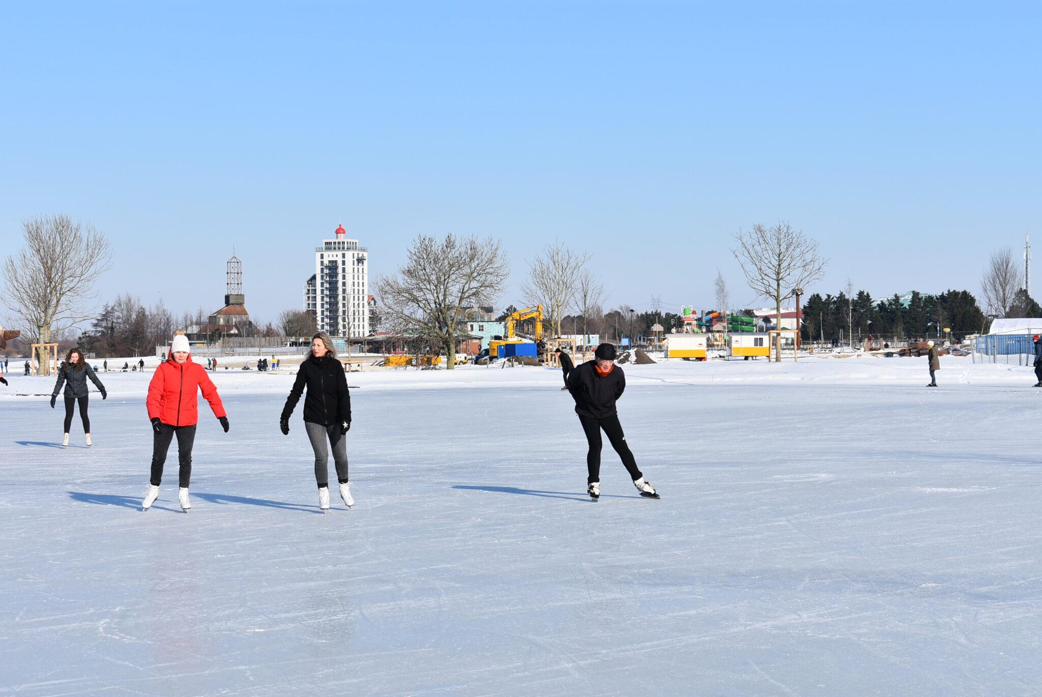 schaatsen harderwijk nuldernauw wolderwijd veluwemeer februari 2021 video beelden