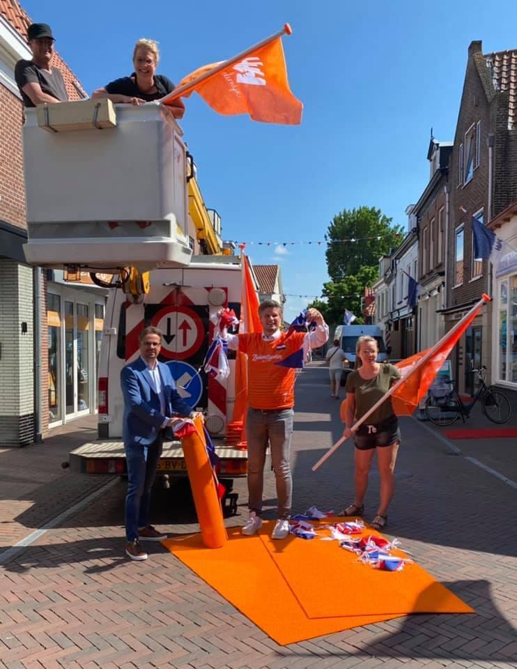 oranjegekte harderwijk oranje versierd gekleurd