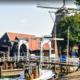 Ophaalbrug in Harderwijk bij de haven en molen De Hoop