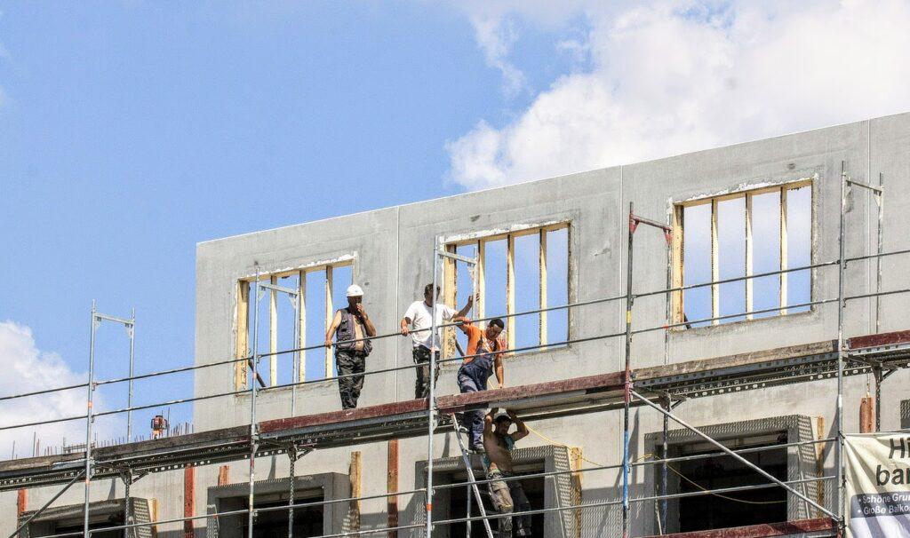 Nieuwbouwwoningen aan de Marnixstraat krijgen senioren en jongeren woningen. Harderwijk