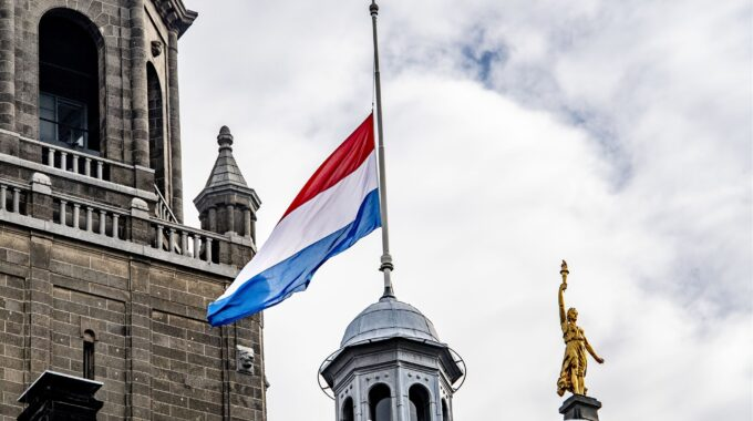 vlag stadhuis