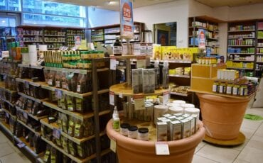 Holland & Barrett superfoods