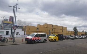 Containerschip ramt Willemsbrug Rotterdam