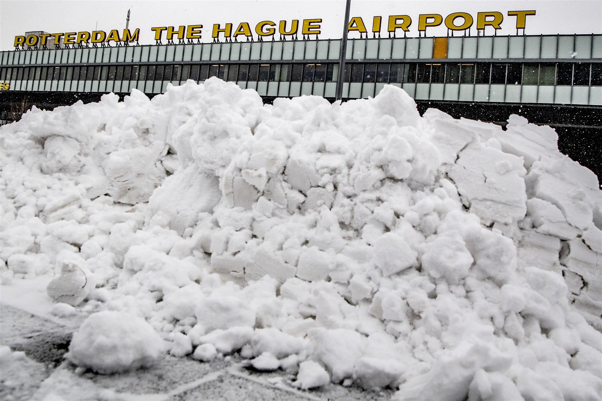 Sneeuw Rotterdam The Hague Airport