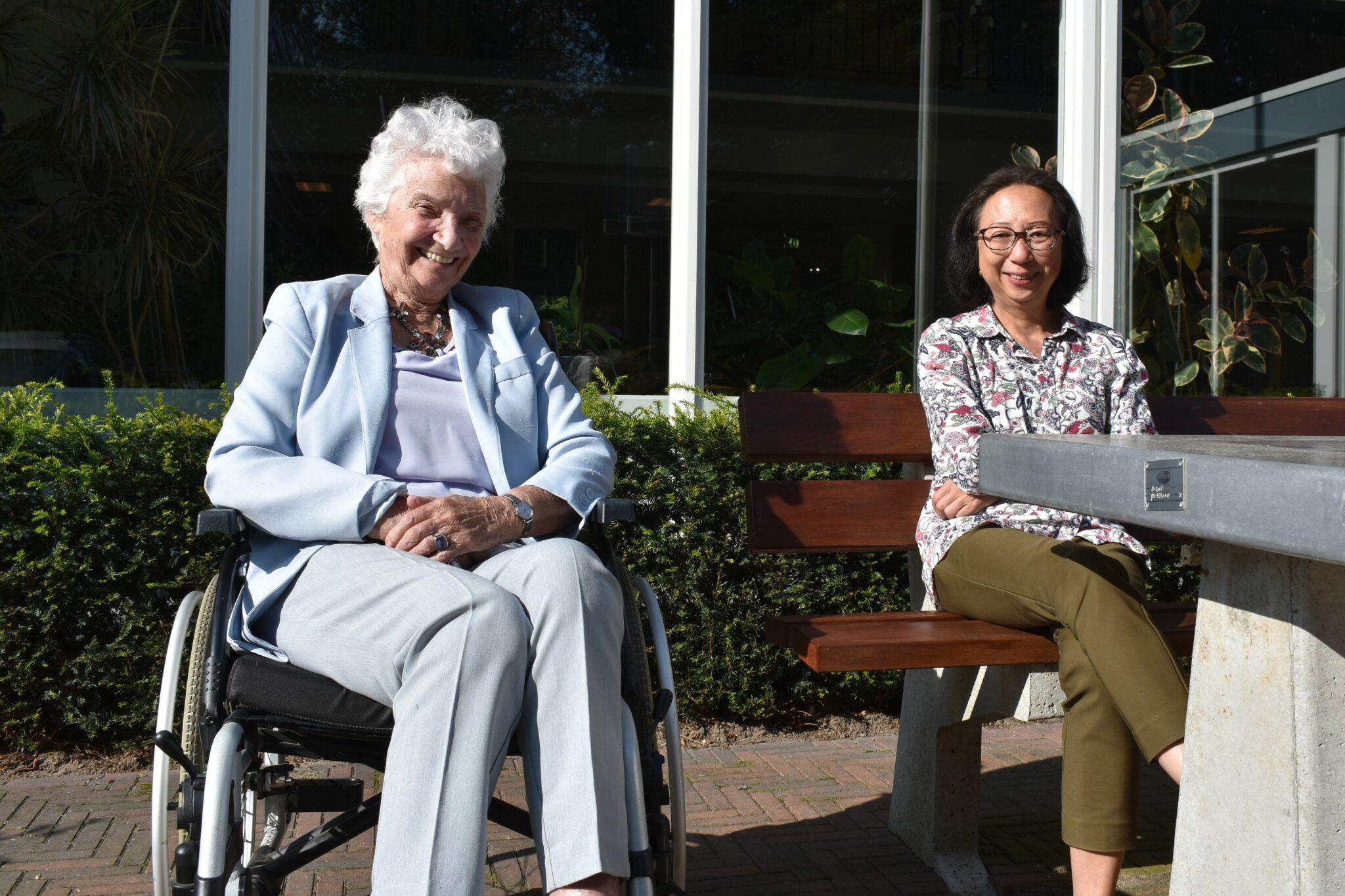 Vrijwilligerswerk UVV bezoekmaatje Unie Van Vrijwilligers Rotterdam Mevrouw Erkelens en Sabrina