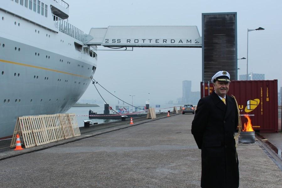 kapitein ss rotterdam drive-thru