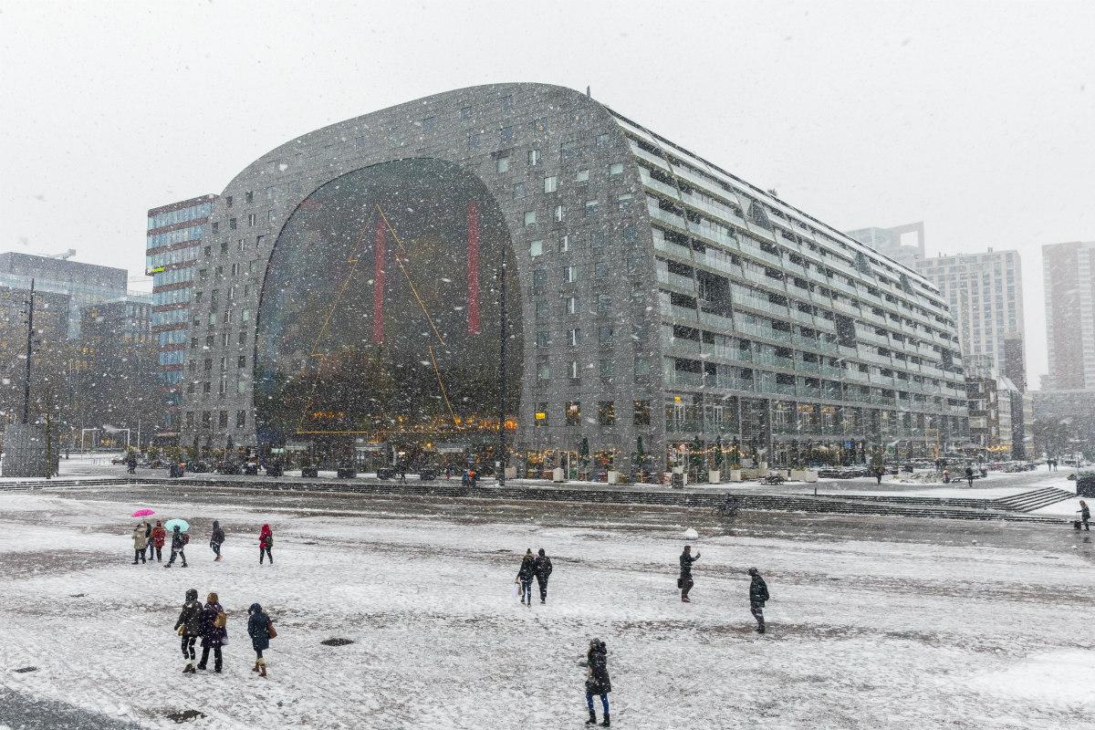 markthal kerst winter sneeuw