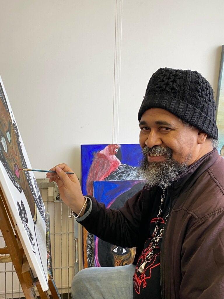 Kunstenaar Gilly Nelom Rotterdamse sok Let's do Goods