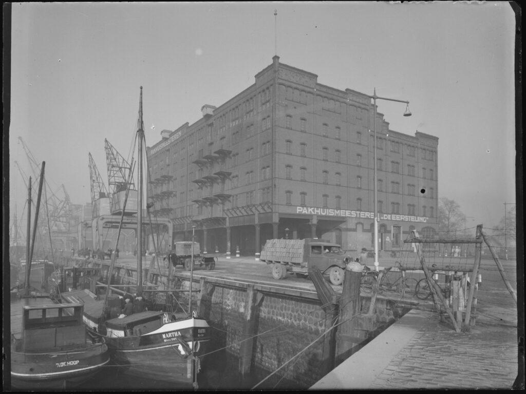 Rijnhaven in 1946