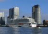 Cruiseschip Ms Iona in rotterdam