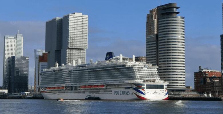 Cruiseschip Ms Iona in rotterdam