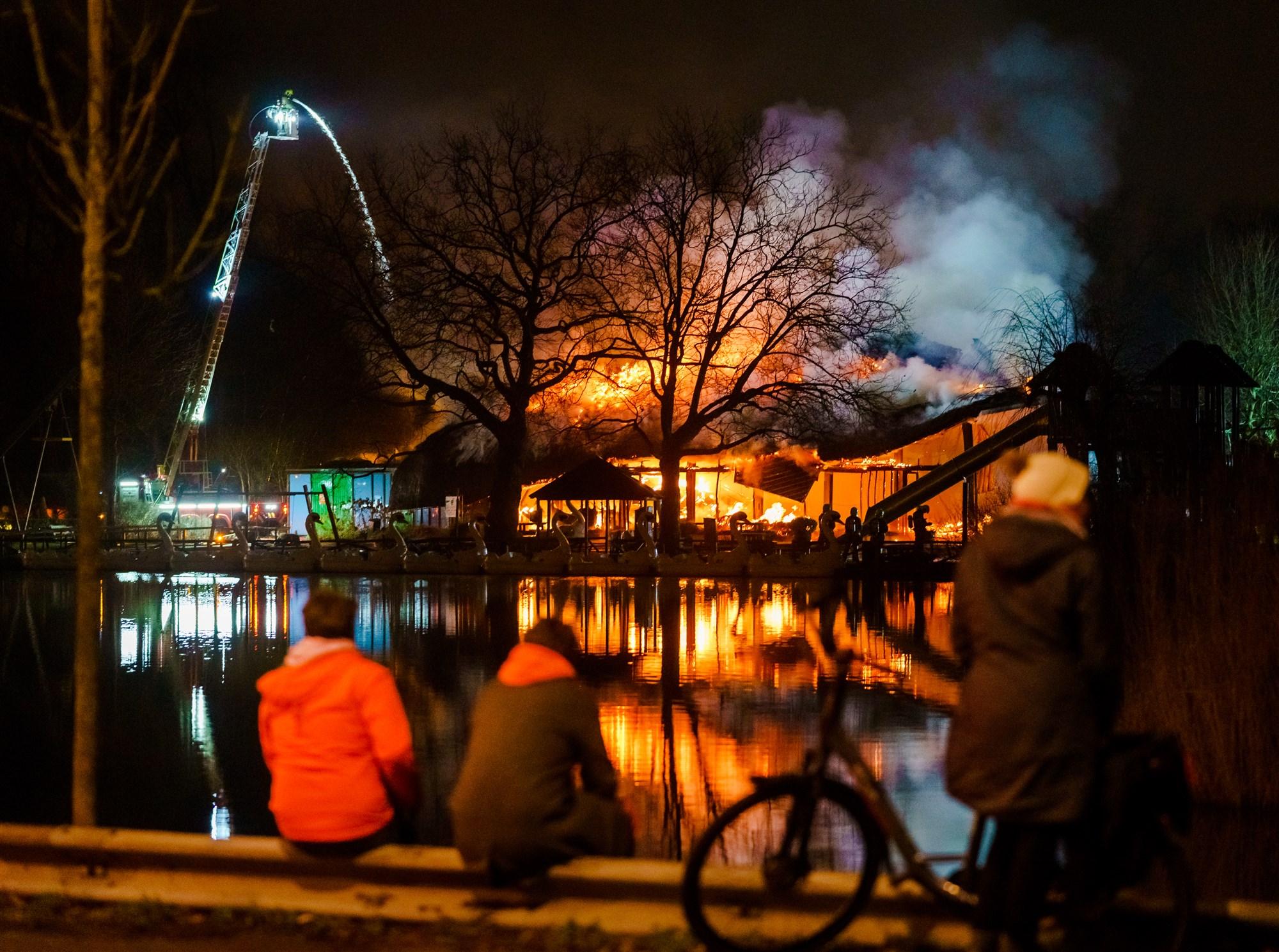 Brand Plaswijckpark Rotterdam