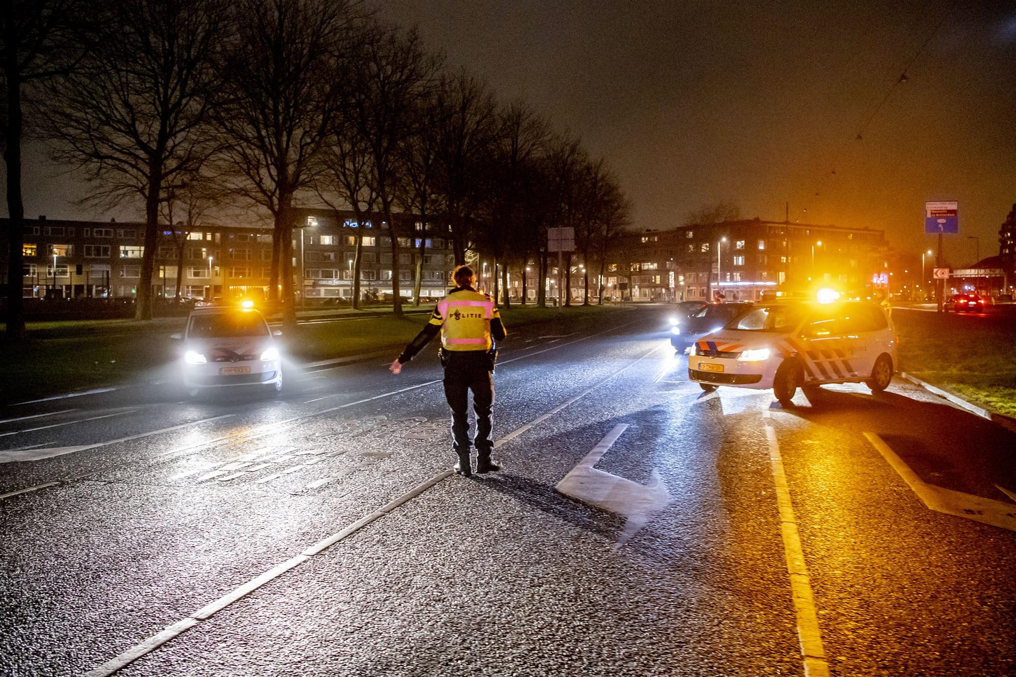 Politie controleert tijdens avondklok