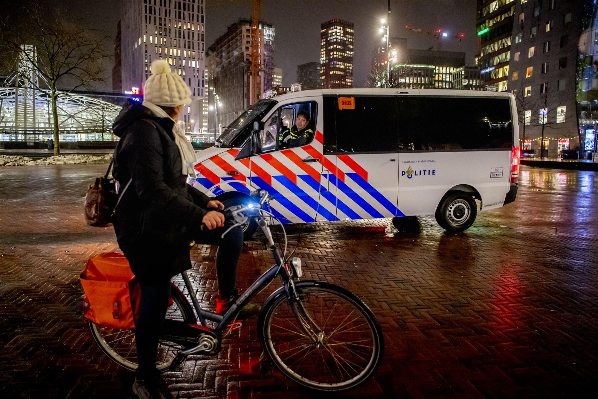 Avondklok Rotterdam blijft voorlopig