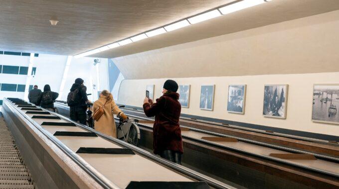 Histrorische foto's in de Maastunnel