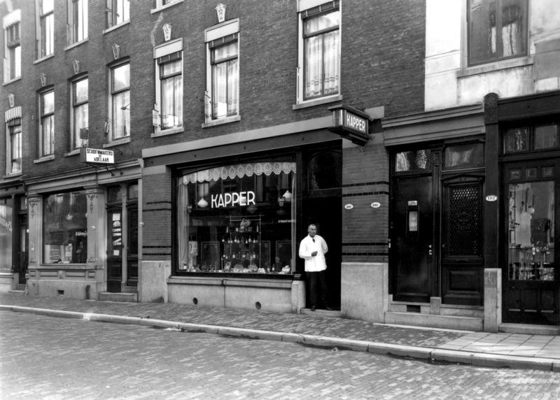 Kapper in de Josephstraat in 1936