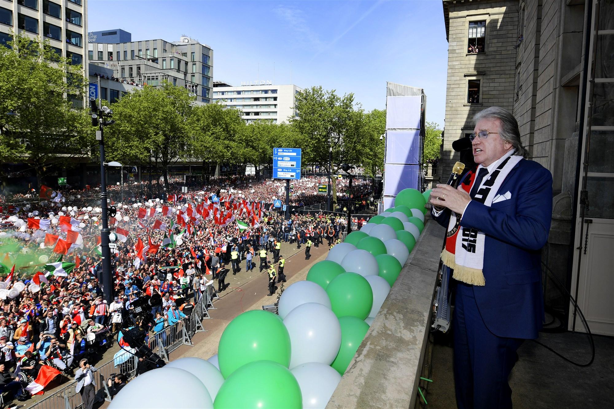 Lee Towers huldiging Feyenoord