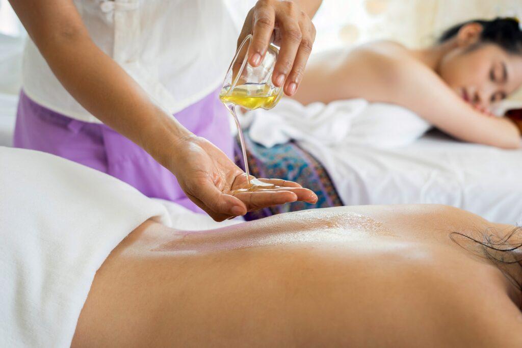 I-Saan Thaise massage Rotterdam Schiedamseweg ontspanningsmassage