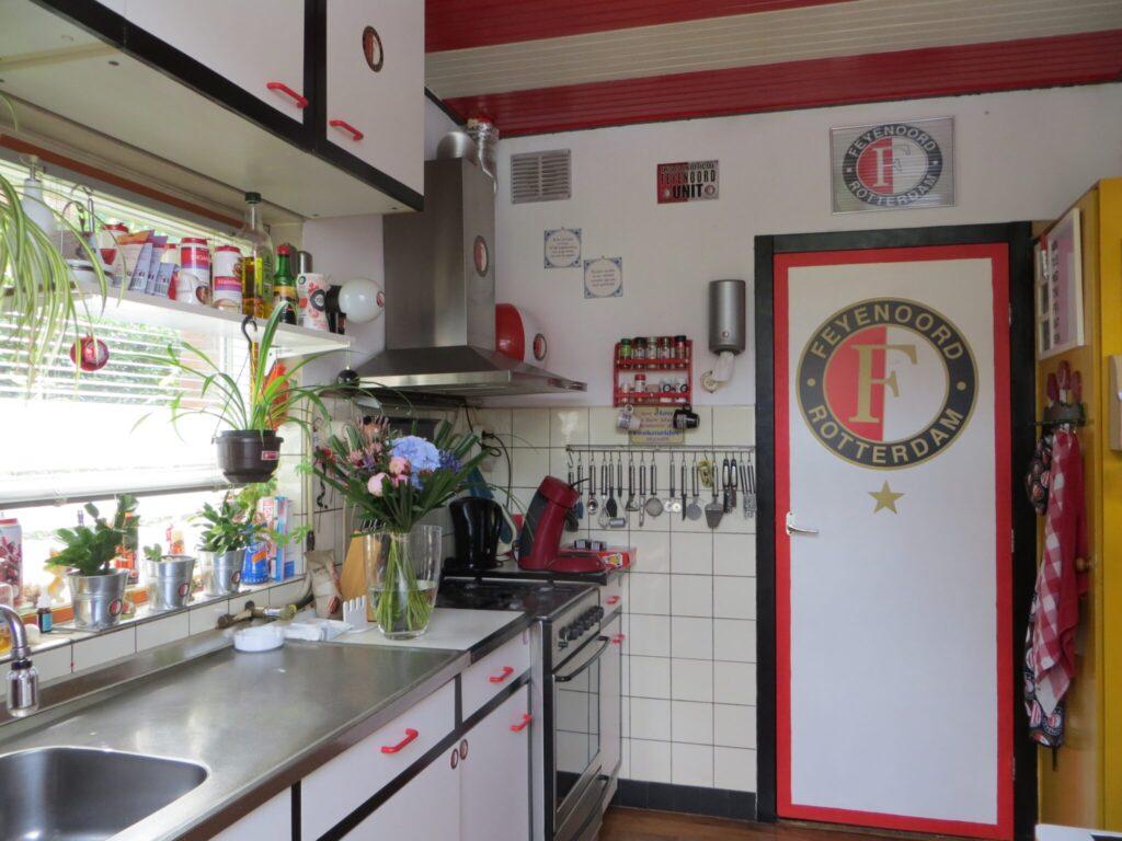 rood wit zwart keuken binnenkijker ermelo